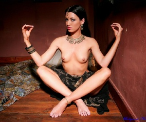 wood naked nudes,com www.bolly